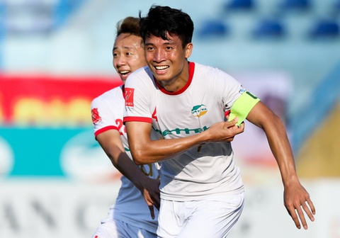 Bui Tien Dung toa sang, 'hau due The Cong' tro lai V.League hinh anh