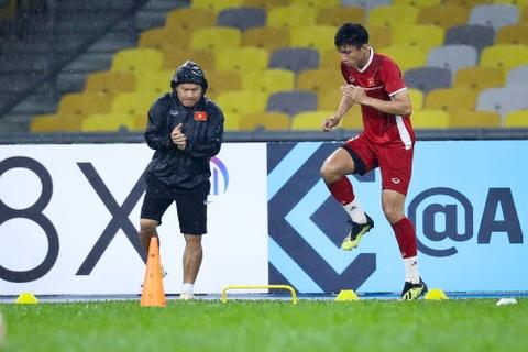 Tuyen Viet Nam dam mua tap luyen truoc chung ket AFF Cup voi Malaysia hinh anh 6