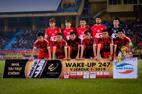 Bui Tien Dung ruc sang, hau due The Cong thang tran dau tai V.League hinh anh 1