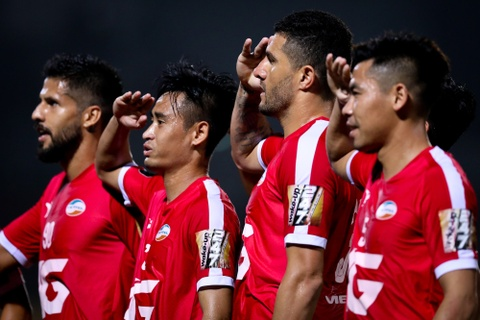 Bui Tien Dung ruc sang, hau due The Cong thang tran dau tai V.League hinh anh 4