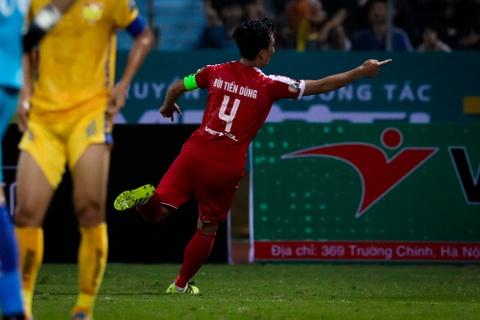 Bui Tien Dung ruc sang, hau due The Cong thang tran dau tai V.League hinh anh 5
