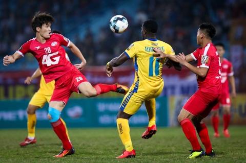 Bui Tien Dung ruc sang, hau due The Cong thang tran dau tai V.League hinh anh 8