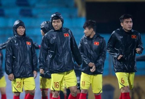 Bui Tien Dung khong co loi, hang cong U23 Viet Nam mang toi hy vong hinh anh 2
