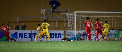 Sao U23 Viet Nam ngan dong doi lao vao an thua du voi trong tai hinh anh 10