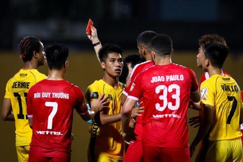 Sao U23 Viet Nam ngan dong doi lao vao an thua du voi trong tai hinh anh 4