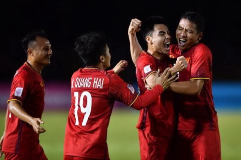 Sau nhiều năm sống dưới cái bóng của các ngôi sao cùng thời, Anh Đức cuối cùng giành được vị trí xứng đáng, trở thành cái tên không thể thiếu của tuyển Việt Nam. Ảnh: Thuận Thắng.