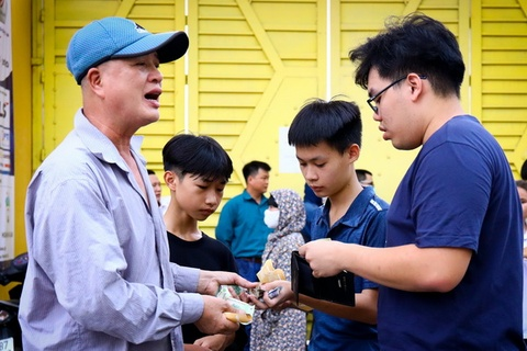 Phe vé hoạt động trước trận CLB Hà Nội gặp HAGL