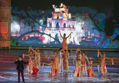 Khai mac Festival Hue 2016 voi am nhac va phao hoa hinh anh 10