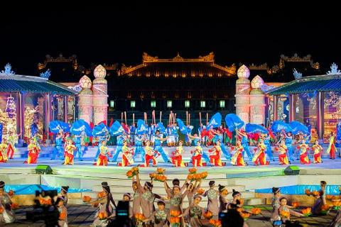 Khai mac Festival Hue 2016 voi am nhac va phao hoa hinh anh 3