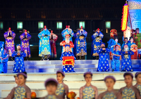 Khai mac Festival Hue 2016 voi am nhac va phao hoa hinh anh 5