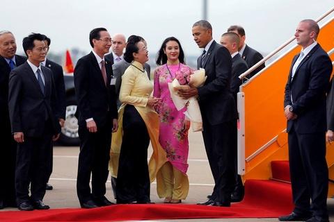 Ngay dau ban ron cua Tong thong Obama o Sai Gon hinh anh 2