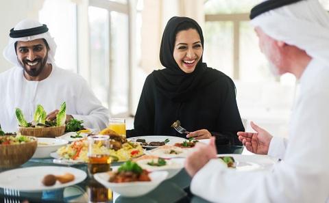 Luqaimat - mon banh ban phai thu khi toi Dubai hinh anh