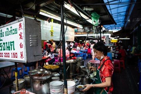 Cung food blogger Ba Chua Via He 'diet sach' am thuc Thai Lan hinh anh 1