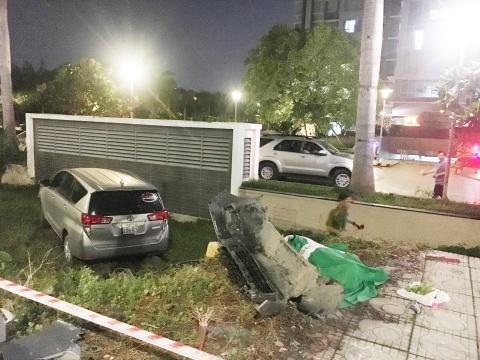 Ôtô tông 4 xe máy, một người tử vong ở Sài Gòn