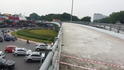 Cau vuot Nguyen Kiem thong xe truoc Tet Nguyen dan 2019 hinh anh