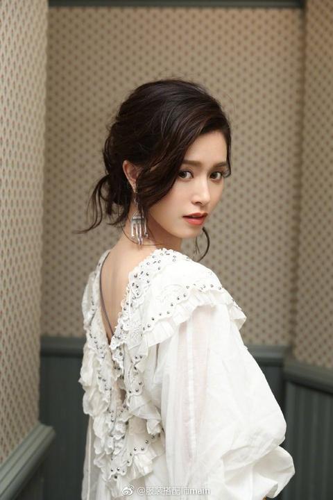 'Than tien ty ty' Van Vinh San xinh dep khong kem Krystal hinh anh 5