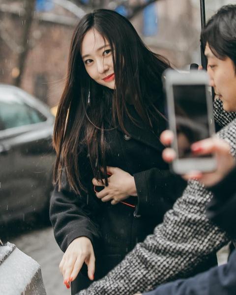 'Than tien ty ty' Van Vinh San xinh dep khong kem Krystal hinh anh 4