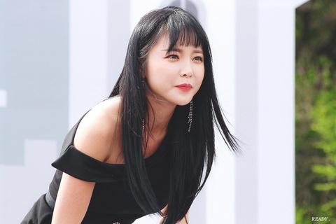 Black Pink vuot BTS, tro thanh sao quyen luc nhat Han Quoc 2019 hinh anh 7