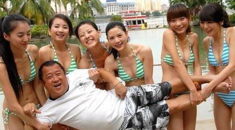 Goc toi lang giai tri Hong Kong: Bat coc, cuong hiep, xam hai tinh duc hinh anh