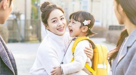 Su trung hop trong phim Kim Tae Hee va Chau Tinh Tri hinh anh
