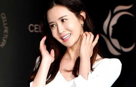 Lee Da Hae tro lai xinh dep sau tin don phau thuat tham my qua da hinh anh