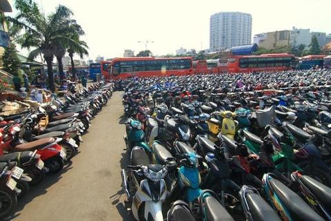 So Giao thong Ha Noi muon lay long duong giu xe dai han hinh anh