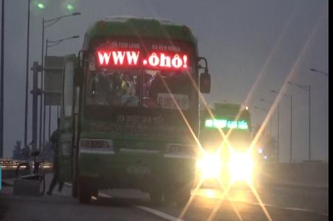 Nha xe don tra khach tren duong cao toc Ha Noi - Hai Phong hinh anh