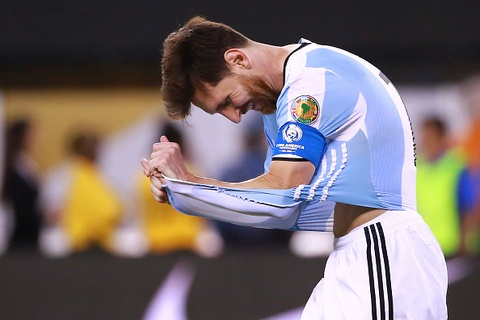 messi penalty hinh anh