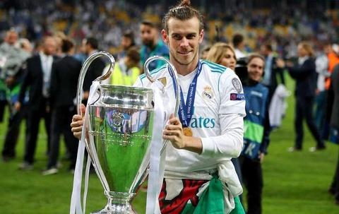 Gareth Bale ru bun dung day sang loa hinh anh
