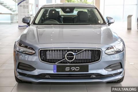 Volvo S90 T5 Momentum ra mat tai Malaysia, gia hon 80.000 USD hinh anh
