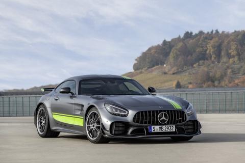 Mercedes-Benz AMG GT 2020 ra mat, co them ban Pro hinh anh