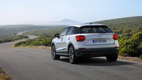 Audi SQ2 2019 - SUV hieu suat cao manh 300 ma luc hinh anh 9