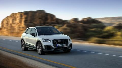 Audi SQ2 2019 - SUV hieu suat cao manh 300 ma luc hinh anh 11