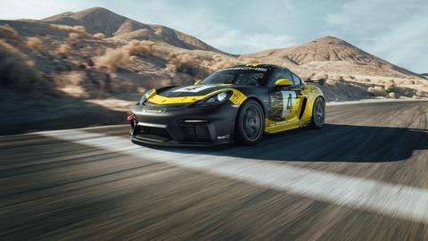 Xe dua Porsche 718 Cayman GT4 Clubsport gia hon 150.000 USD hinh anh