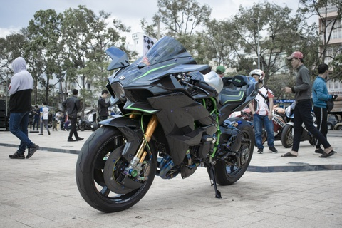 Kawasaki Ninja 'H2R' gia hon 3 ty dong cua biker An Giang hinh anh