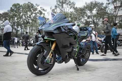Kawasaki Ninja 'H2R' gia hon 3 ty dong cua biker An Giang hinh anh 1