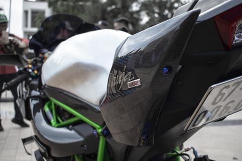 Kawasaki Ninja 'H2R' gia hon 3 ty dong cua biker An Giang hinh anh 14