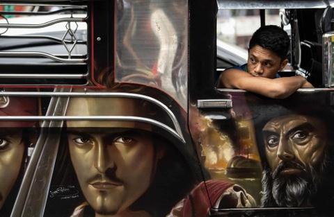 'Dac san' xe Jeepney cua Philippines sap bien mat hinh anh 7