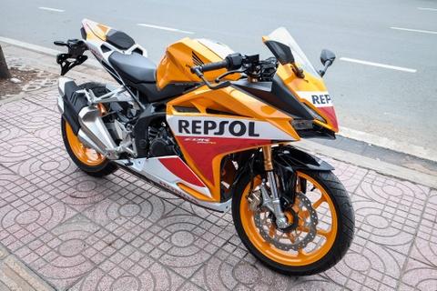 Loat xe may duoi 400 cc dang choi dip Tet hinh anh 3
