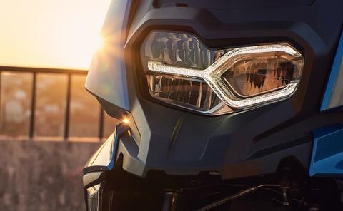 Tay ga BMW C 400 X sap ve Viet Nam, canh tranh Honda SH 300i hinh anh 6
