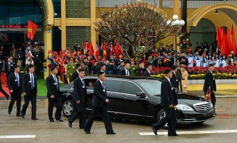Mercedes-Benz S 600 Pullman Guard boc thep ho tong Kim Jong Un ve HN hinh anh 1