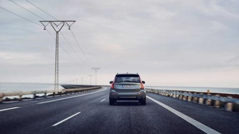 'SUV an toan nhat the gioi' Volvo XC90 duoc bo sung 'vu khi moi' KERS hinh anh 8