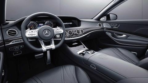 Chi con 130 chiec sedan Mercedes cuoi cung dung 'sieu dong co' V12 hinh anh 6
