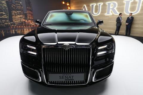 Limousine cua ong Putin co ban thuong mai, doi thu cua Rolls-Royce hinh anh 3