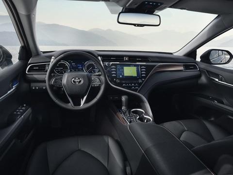 Toyota Camry tro lai chau Au sau 14 nam vang bong, gia tu 39.000 USD hinh anh 8