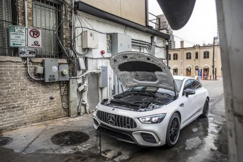 Coupe 4 cua Mercedes-AMG GT ra mat ban 'gia re' 100.000 USD hinh anh 3