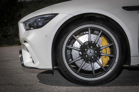 Coupe 4 cua Mercedes-AMG GT ra mat ban 'gia re' 100.000 USD hinh anh 5