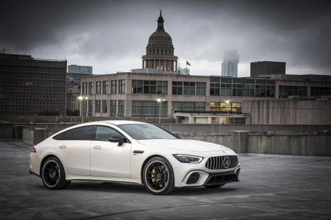 Coupe 4 cua Mercedes-AMG GT ra mat ban 'gia re' 100.000 USD hinh anh 1