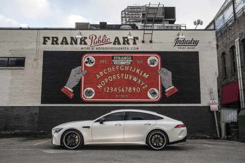 Coupe 4 cua Mercedes-AMG GT ra mat ban 'gia re' 100.000 USD hinh anh 2