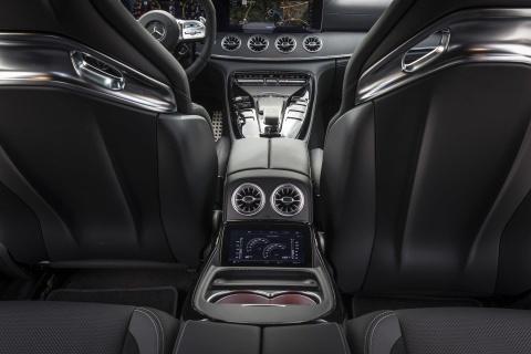 Coupe 4 cua Mercedes-AMG GT ra mat ban 'gia re' 100.000 USD hinh anh 8
